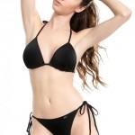 Černé tanga plavky pro odvážné dámy