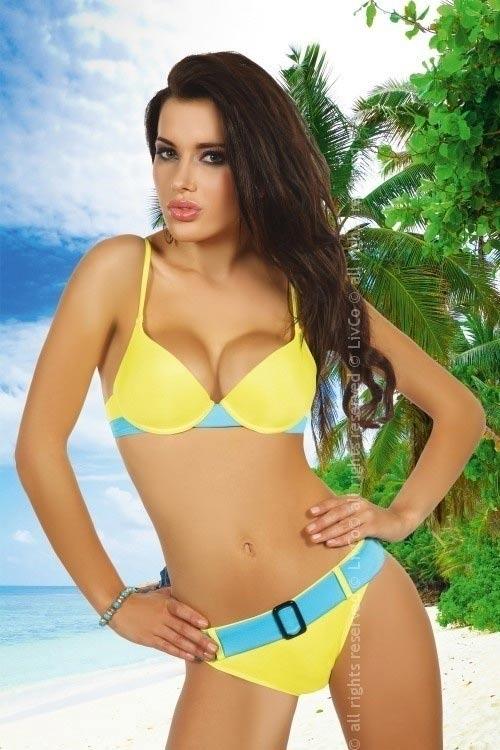 Žluté plavky s modrým opaskem a sponou