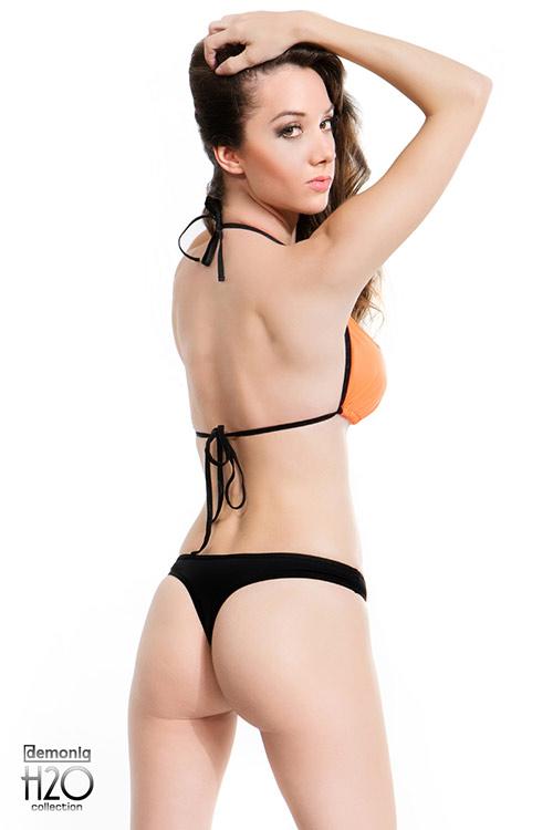 Černo-oranžové tanga plavky