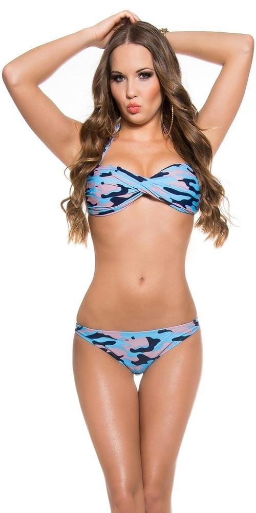 Modré maskáčové dvoudílné plavky s překříženými košíčky