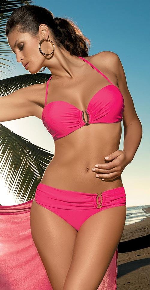 Růžové plavky s vyšším nařaseným pasem