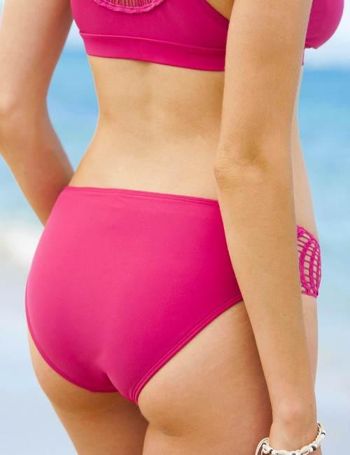 Růžové plavky s háčkováním