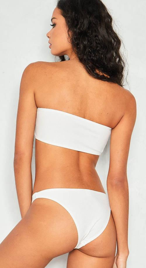 Bílé plavky brazilky bez ramínek