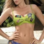 Dvoudílné cool plavky s módními nášivkami
