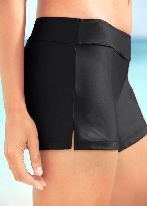 Černé dámské šortky na koupání