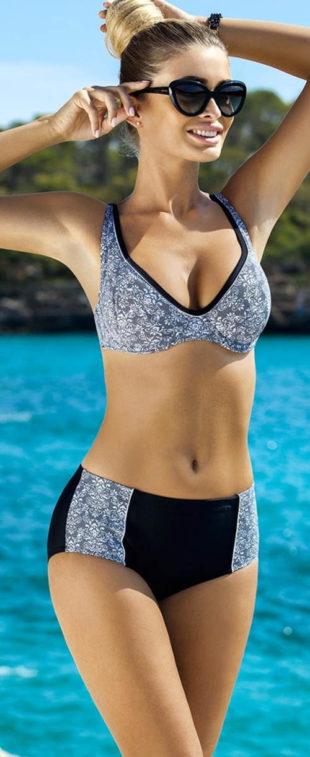 Dvoudílné plavky pro větší poprsí s lehce zvýšeným pasem