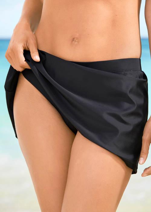 Napevno přišité kalhotky k sukni