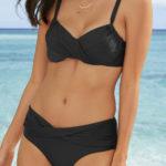 Černé jednobarevné dvoudílné plavky s překřížením na kalhotkách i podprsence