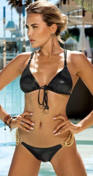 Sexy dvoudílné plavky se zlatými řetízky místo boků kalhotek