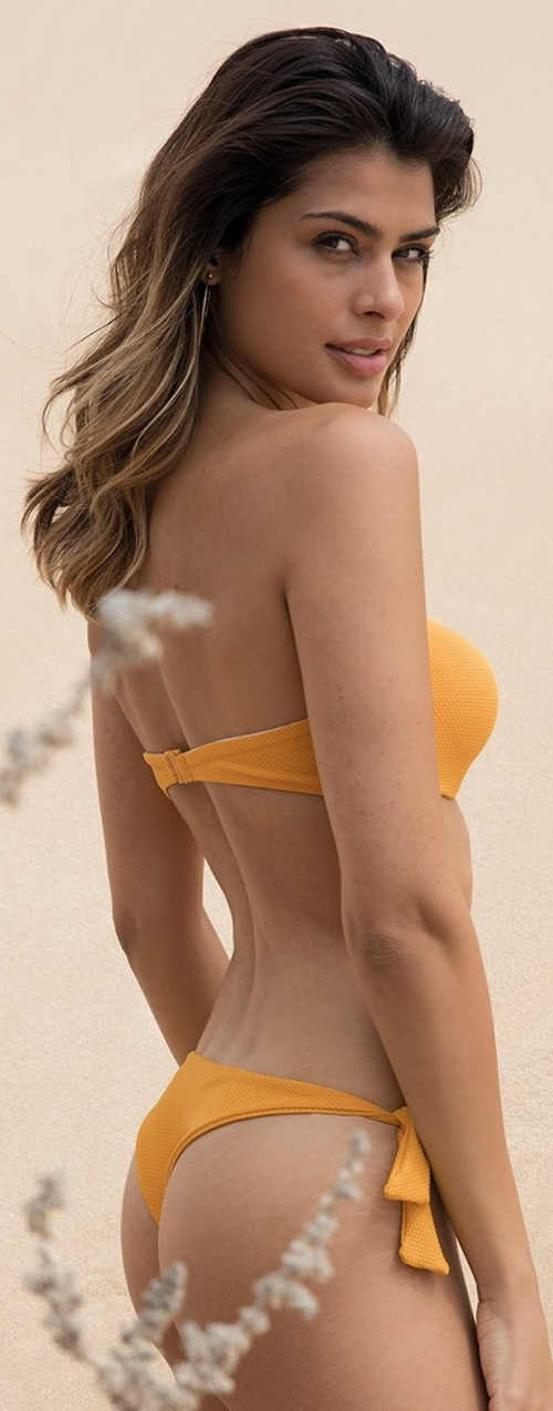 Jednobarevné žluté dámské dvoudílné tanga plavky