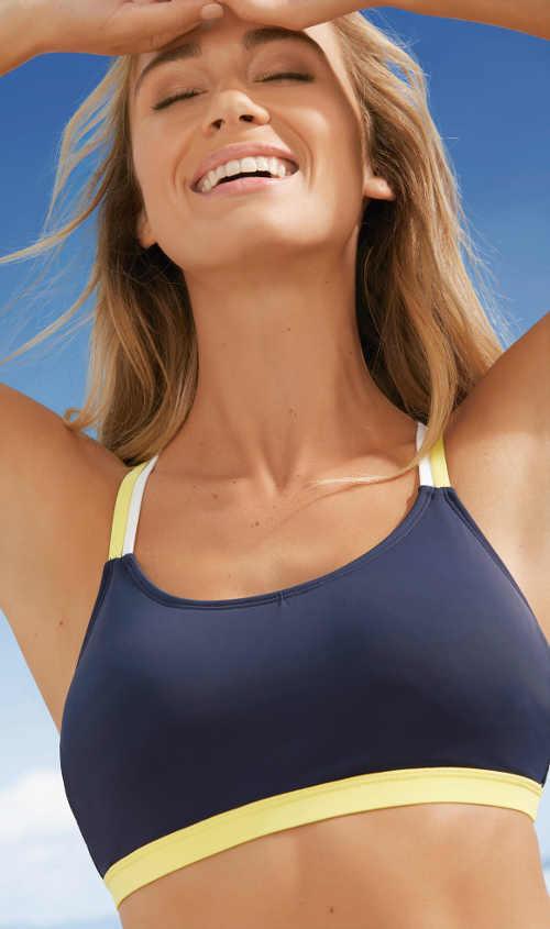 Nevyztužená sportovní plavková podprsenka modré barvy
