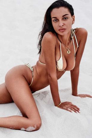 Sexy dámské dvoudílné plavky v působivém zlatém designu