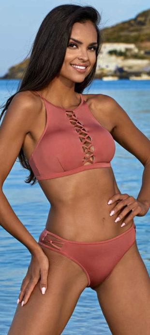 Dvoudílné růžové plavky Hana s rafinovaným šněrováním mezi prsy